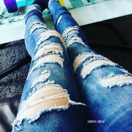 Pantalones Rasgados Informales