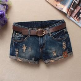 Pantalon Corto con detalle de Calavera